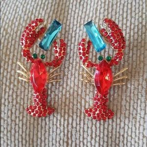Gorgeous lobster earrings 🦞